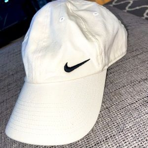 Women's white NIKE hat
